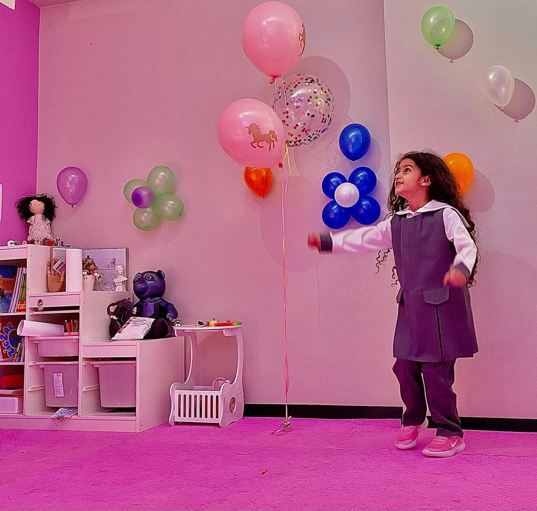دختر محسن یگانه در روز اول مدرسه+ عکس