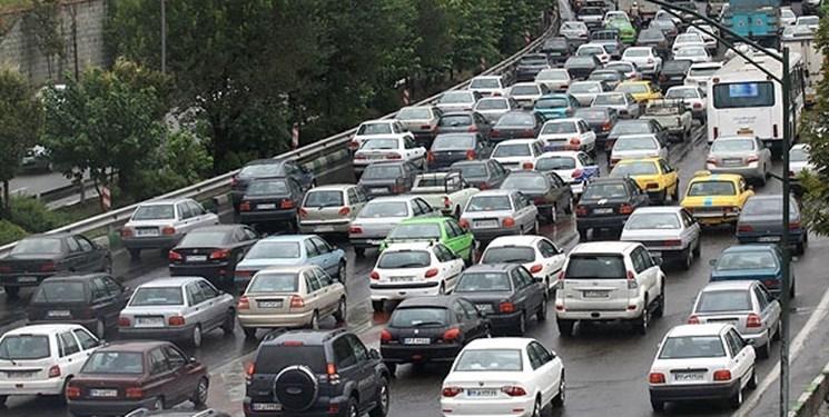 ترافیک سنگین در خیابانهای نواب و آزادی