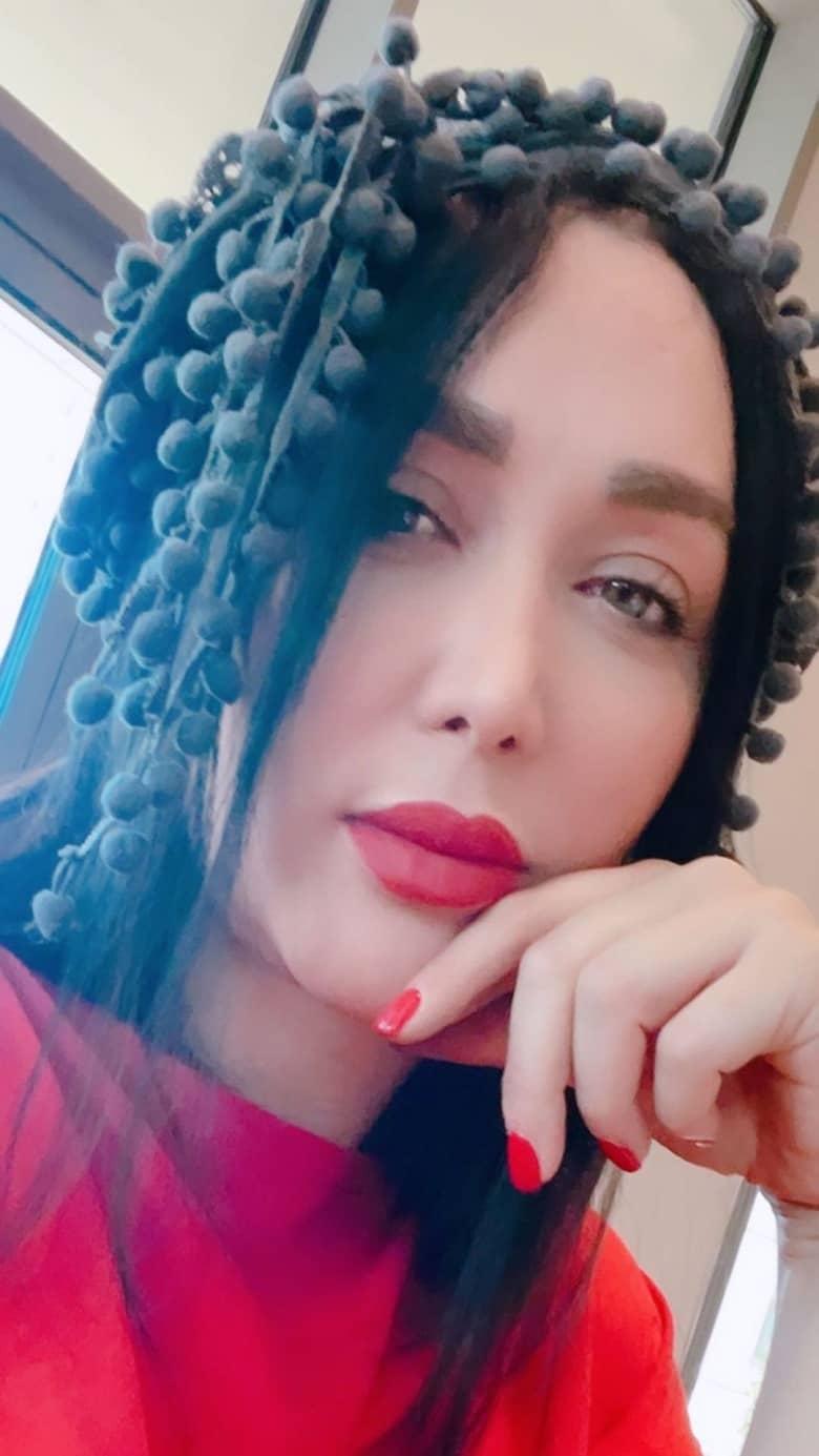 شال بستنِ عجیب غریب بازیگر زن کلبه عموپورنگ! /عکس