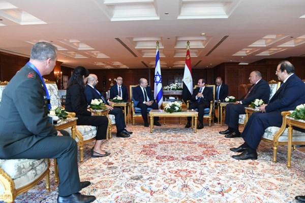 رایزنی نفتالی بنت با السیسی درباره ایران و حماس