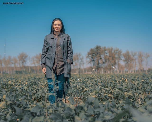 لیندا کیانی در مزرعه لوبیا /عکس