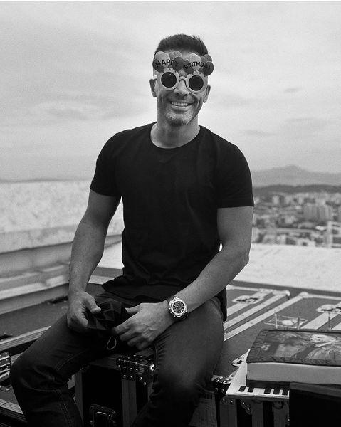 عینک مخصوص تولد سیروان خسروی /عکس