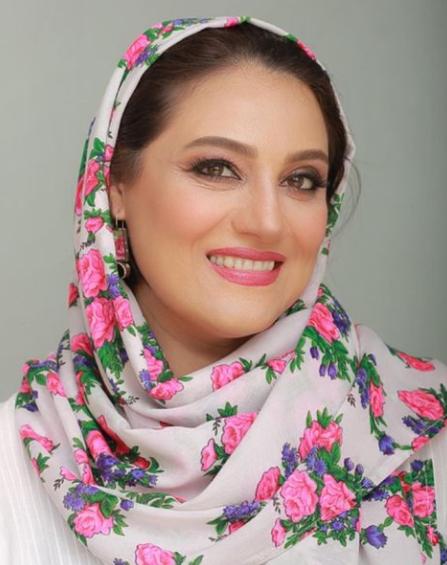 شبنم مقدمی با روسری گلدار خوشرنگ /عکس