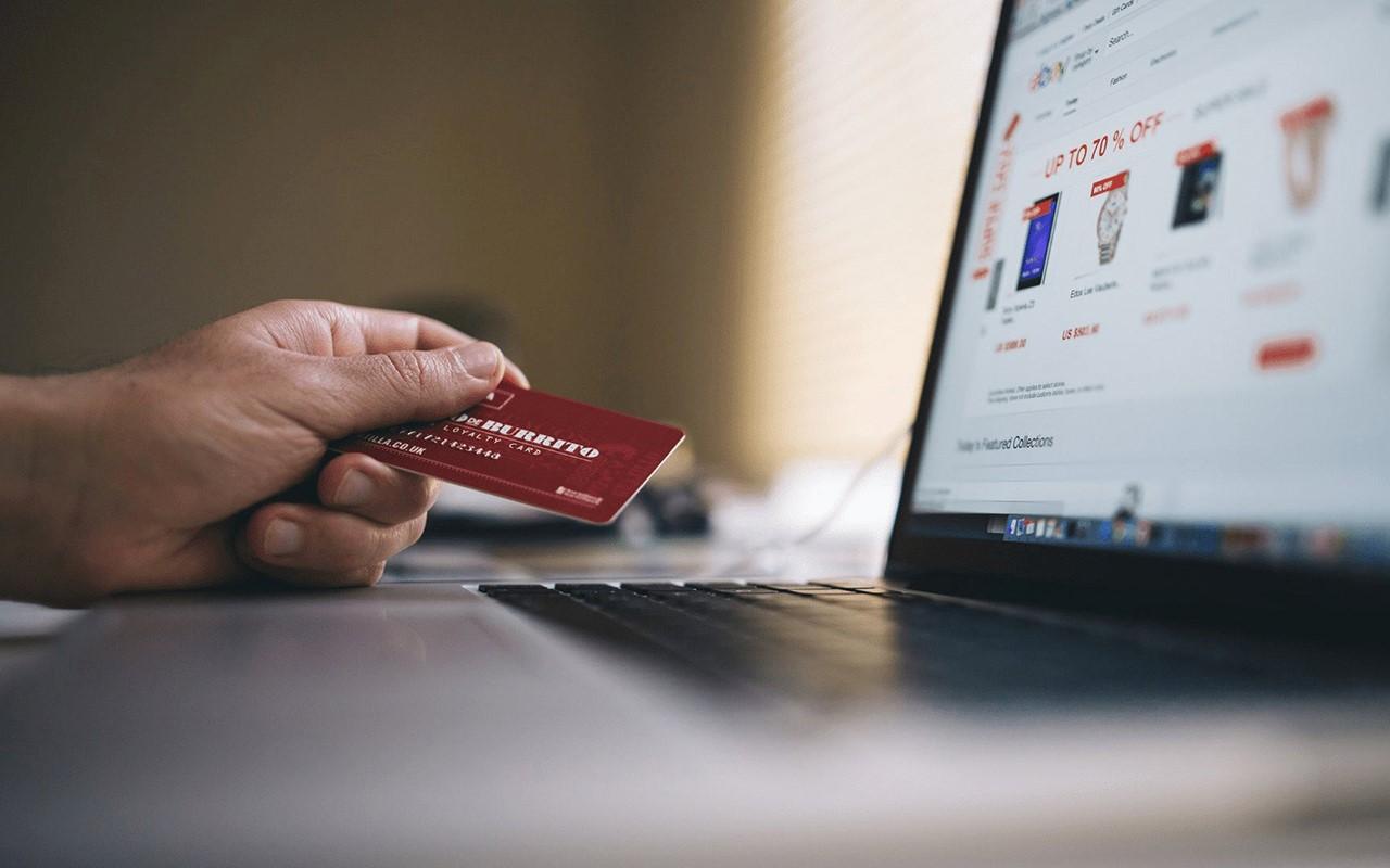 خرید از سایت های خارجی با استفاده از ووچر برای تمامی افراد ساکن ایران فراهم است و روشی امن برای پرداخت محسوب می شود.