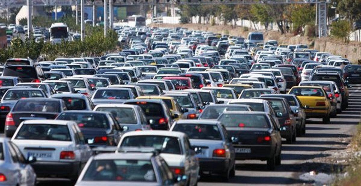 آخرین وضعیت ترافیکی جادههای کشور 23 شهریور/ ترافیک سنگین در آزادراه قزوین - کرج