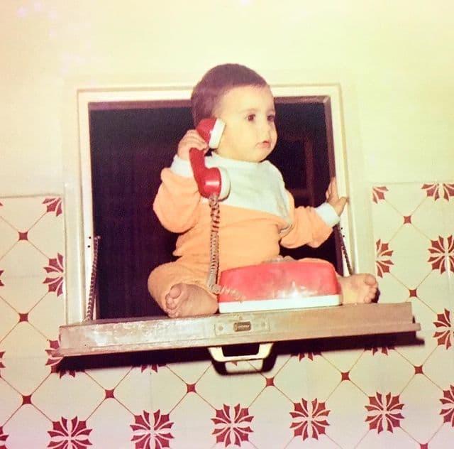 عکس زیرخاکی از کودکی خواننده مشهور پاپ
