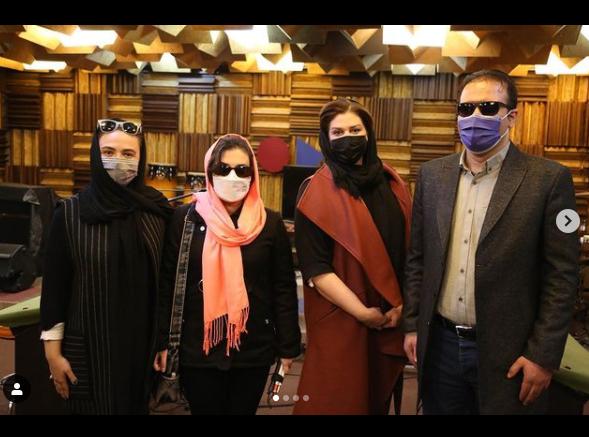 گلاره عباسی در کنار گروه سوینا /عکس