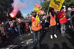 تظاهرات کارکنان بخش اورژانس بیمارستانها در فرانسه