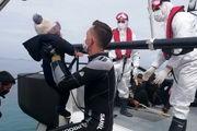 نیروهای گارد ساحلی یونان پناهجویان را میسوزانند