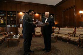 سفیر جدید پاکستان رونوشت استوارنامه خود را تقدیم ظریف کرد