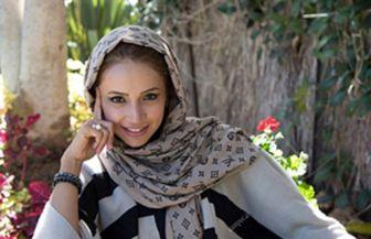 «شبنم قلی خانی» درحال توزیع غذای نذری/ عکس