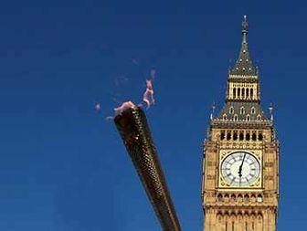 ساعة بیغ بن تدق ۴۰ مرة احتفالا بأولمبیاد لندن ۲۰۱۲