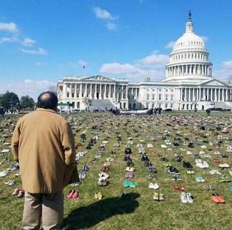 """مبارزه """"کفشی"""" در قلب آمریکا"""