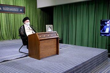ارتباط تصویری نمایندگان مجلس با رهبر انقلاب/گزارش تصویری