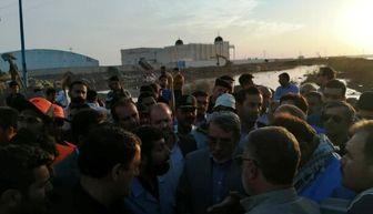 بازدیدهای شبانه وزیر کشور از مناطق سیل زده خوزستان/ تصاویر