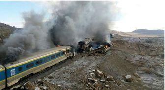 چه فرقی بین شهادت ایرانیان در فاجعه منا و حادثه قطار وجود دارد؟