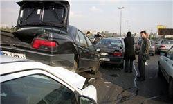 برخورد زنجیری ۱۰ خودرو در ورودی تهران