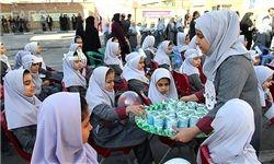 نظارت بر توزیع عادلانه شیر در مدارس