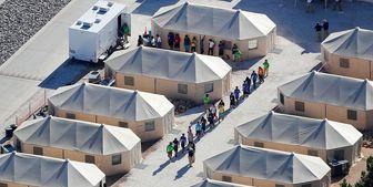 انتقال شبانه کودکان مهاجر به «شهر چادری»