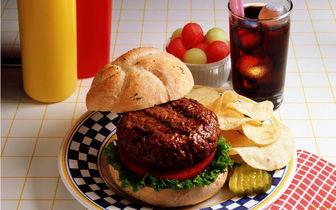 ده ماده غذایی که نباید قبل از خواب خورد