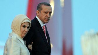 نذری دادن همسر رئیس جمهور حاشیه ساز شد!+ تصاویر
