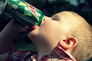ایننوشیدنی موجب اختلال رفتاری کودک میشود