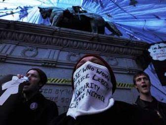 نابرابری، دموکراسی آمریکایی را می بلعد