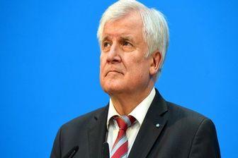 اظهاراتی اسلام ستیزانه وزیر کشور آلمان