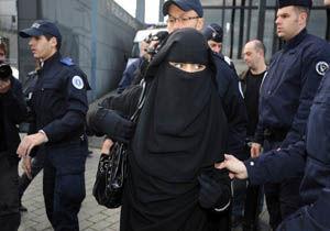 کشورهایی که روبنده را برای زنان مننوع کرده اند