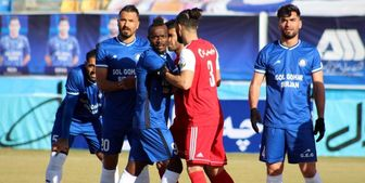 درگیری شدید بازیکنان گل گهر و تراکتور در پایان بازی+ فیلم