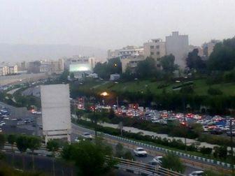 برخورد تریلر با ۱۴ خودرو در اتوبان امام علی