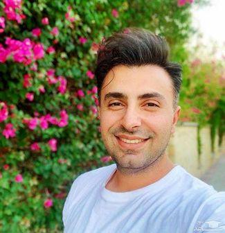 دلربایی علیرضا تلیسچی با لبخند جذاب و تیپ رسمی+ عکس