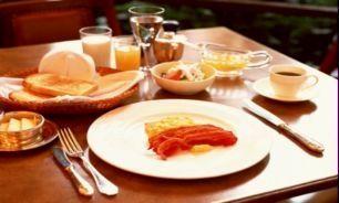 میز صبحانهتان را با این خوراکیها بچینید