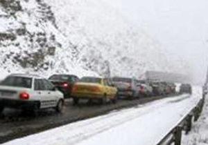 برف و کولاک در محورهای 8 استان کشور