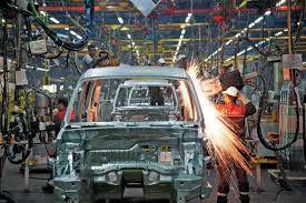 بررسی قرارداد وزارت دفاع با خودروسازان