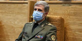 حاتمی: هدف آمریکا از کاهش برنامه موشکی ایران، تسلیم ما است
