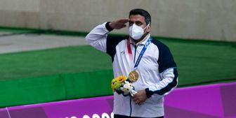 خدمت مرد طلایی المپیک به زائران امام حسین در کربلا+ عکس