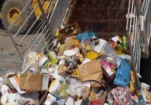 معدوم سازی بیش از ۹۱ تن انواع مواد غذایی فاسد در ۶ ماهه اول سال ۹۷