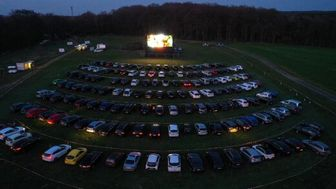 تخت گاز سینما- ماشینها در آمریکا