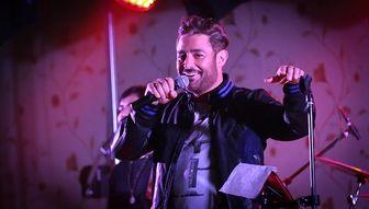 حضور سام اصغری وبازیکن اسبق استقلال در کنسرت گلزار در آمریکا/ عکس