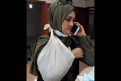 مجروح شدن خانم خبرنگار درحین تهیه گزارش