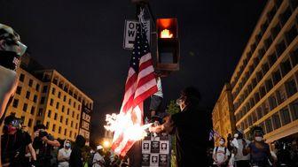 واکنش ترامپ علیه آتشزنندگان پرچم آمریکا