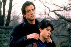 همبازی شدن بازیگران مشهور هالیودی با فرزندان خود