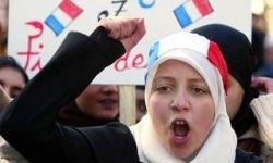 جمع آوری امضا برای لغو ممنوعیت حجاب درترکیه
