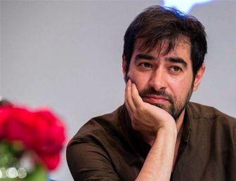 ژست متفکرانه شهاب حسینی در پشت صحنه فیلم طلاخون /عکس