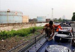 تلاش هند برای معافیت از تحریمهای نفتی علیه ایران