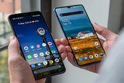 قیمت گوشیهای موبایل با صفحه نمایش عالی