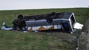 ۲۴ کشته و زخمی بر اثر واژگونی مینیبوس در انگلیس