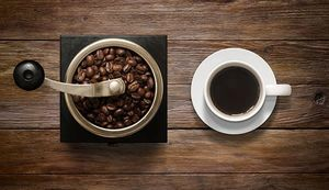 چه کسانی بیشتر قهوه مینوشند؟