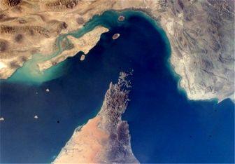 بلومبرگ: بستن تنگه هرمز برای ایران آسان است